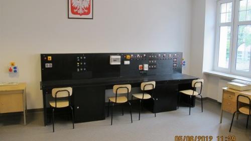 Obrazek galerii Pracownia elektrotechniki i odnawialnych źródeł energii