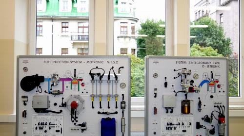 Obrazek galerii Pracownia mechatroniki samochodowej